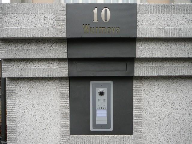 a 010
